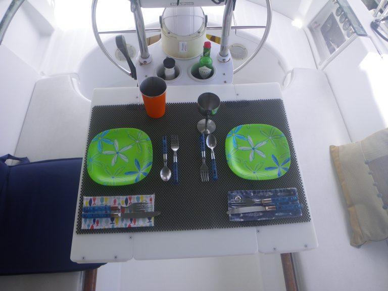 3 Table cockpit ouverte.JPG